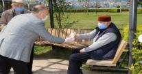 BAŞKAN TAVLI'DAN, 65 YAŞ ÜSTÜ VATANDAŞLARA KAHVE İKRAMI