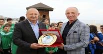Başkan Tavlı'ya, Aksf'den Teşekkür Plaketi