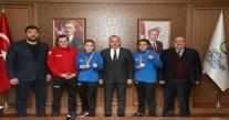 ORDU YILDIZLAR-BÜYÜK KADINLAR BOKS ŞAMPİYONASI'NDA ZAFER ELDE ETTİ